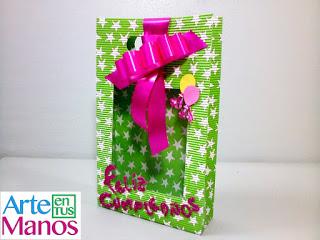 Caja para regalo tipo bolsa en cartón corrugado, paso a paso