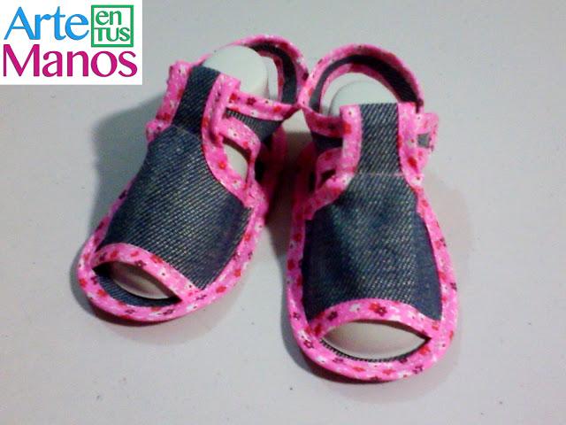 Sandalias para bebé en tela paso a paso fácil