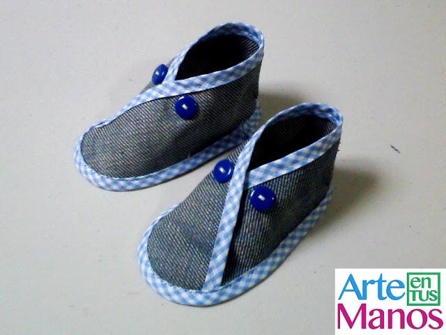 Zapatos o Babuchas para bebé en índigo o fieltro