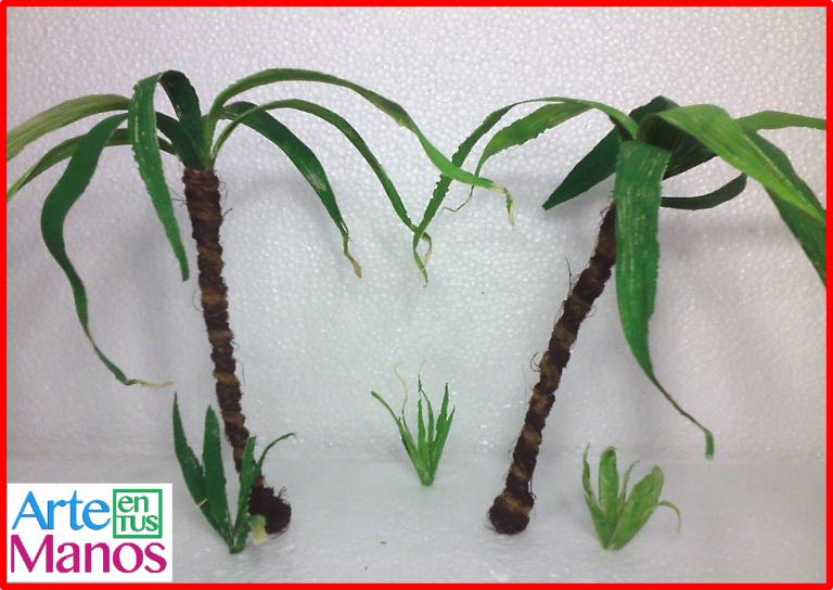 Palmas miniatura para Belenes hechas con hojas de maíz y soga de yute